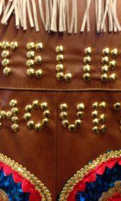Atelier Cilhouette in details met studs op vintage leren jas