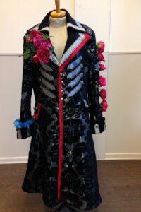 Gepimpte herenzwart zilveren carnavalsjas met bloemen