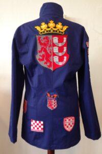herenkiel rug getailleerd uit Eindhoven met emblemen