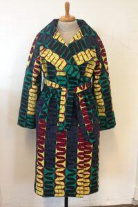 Vlisco mantel gemaakt door Monique in de naailes