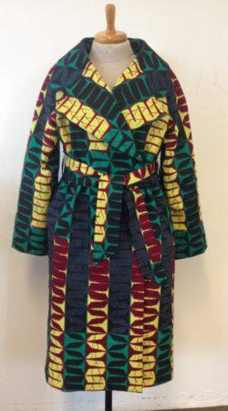mantel in Vlisco design gemaakt door Monique in de naailes
