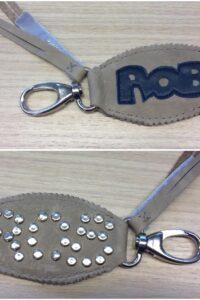 persoonlijke sleutelhanger met naam Rob relatiegeschenk