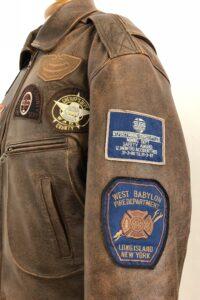 lederen pilotenjas met originele patches nagemaakt van origineel uit USA bij Atelier Cilhouette