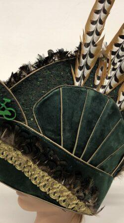 steek prins carnaval groen velvet koningsfazantveren